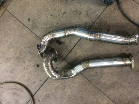 BMW X6 35i даунпайпы для гибридных турбин